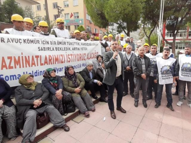 CHP'Lİ ÖZEL MAĞDUR MADENCİLERİN YANINDA