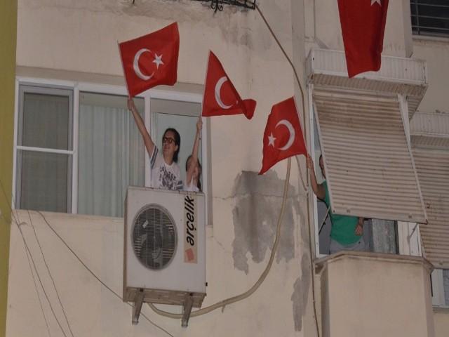 19 MAYIS'TA 'EVDE KAL HAREKETSİZ KALMA'