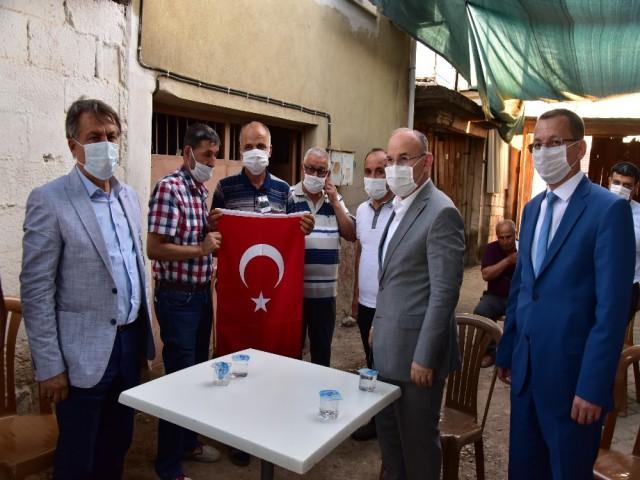 VALİ'DEN ŞEHİT AİLESİNE ZİYARET