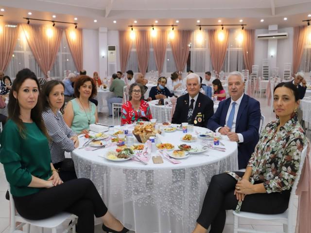 BAŞKAN'DAN GAZİLERE 'DERNEK BİNASI' SÖZÜ