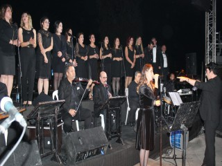 ALAŞEHİR'DE CUMHURİYET KONSERİ