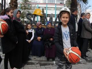 BASKETBOL EFSANESİ 'KOBE' SOMA'DA ANILDI